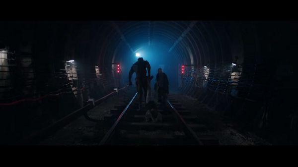 Уходят в тоннель