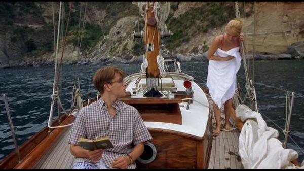 Том на яхте