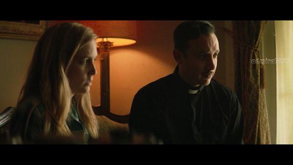 Девушка и священник