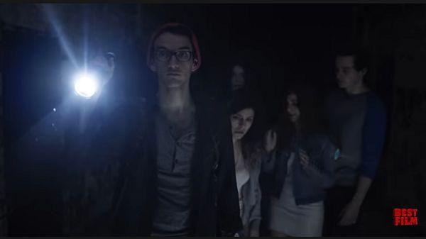 Хэнк с фонарем