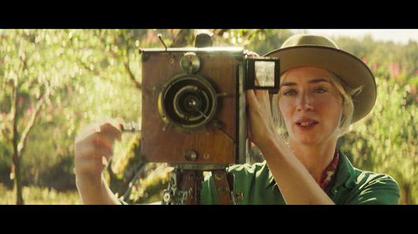 Лили снимает кино